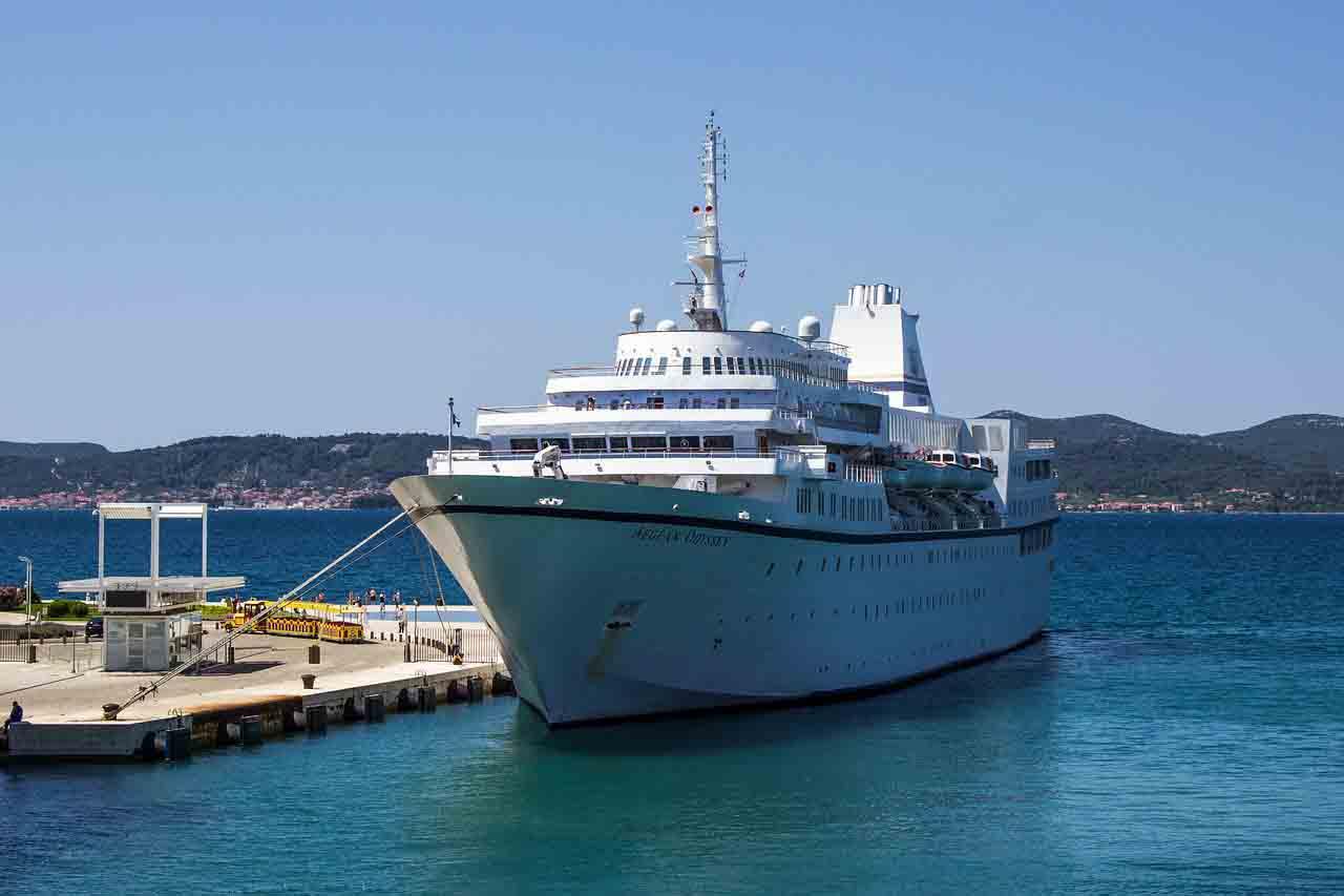 Get in Zadar by boat