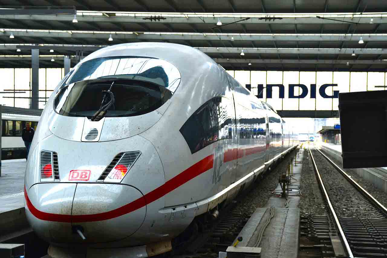 Munich. How to arrive from main destinations by train, car ...