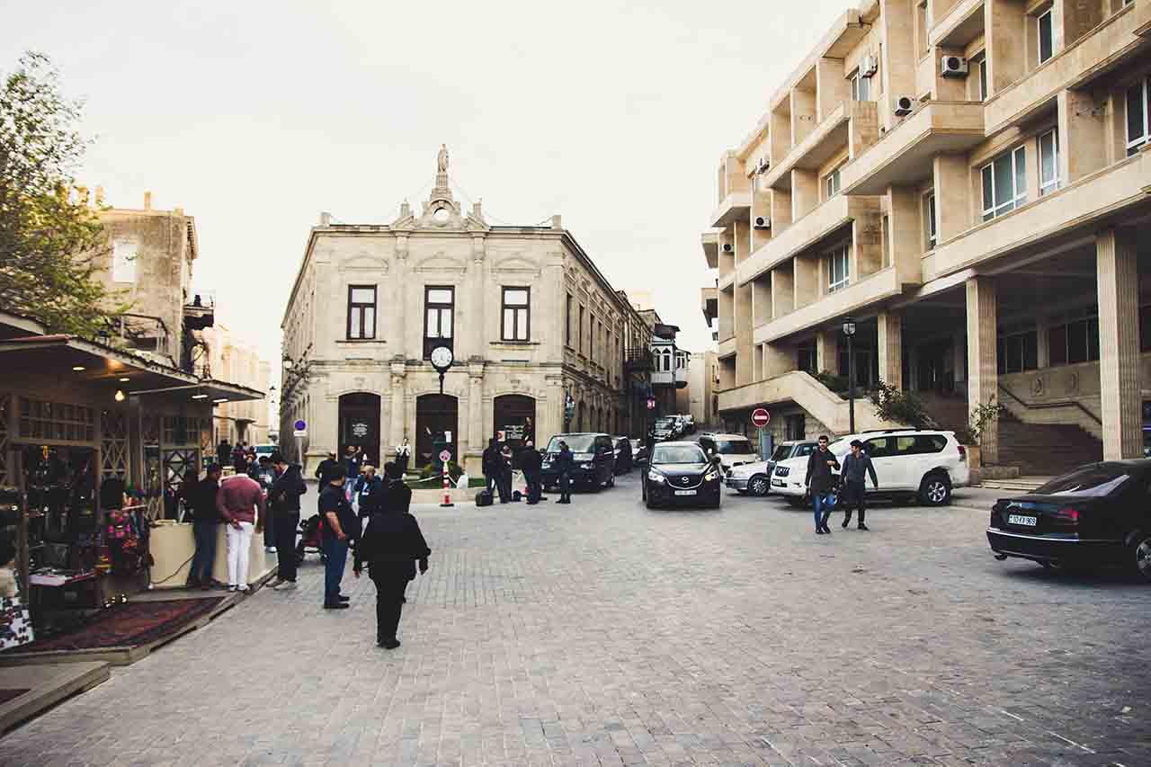 Baku Markets