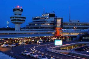 Flughafen Berlin Tegel Tower und Hauptgebäude